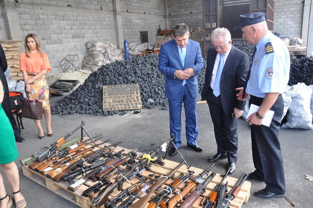 Kosovo guns