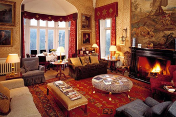 Kate Middleton Found Between Palace Sofa Cushion Daily Squib