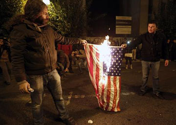 GREECE_MARCH_BURN_US_FLAG