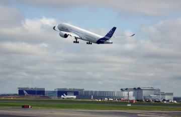 AIRBUS-A350-TAKE-OFF