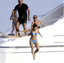 lily allen St. Tropez luxury yacht