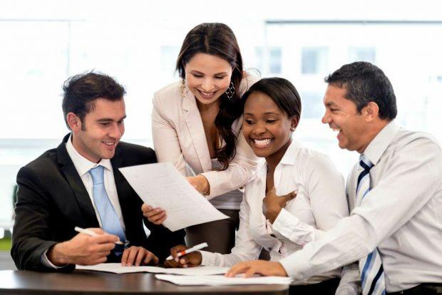 Business-People_Meeting-engaging