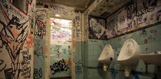 Toilet london