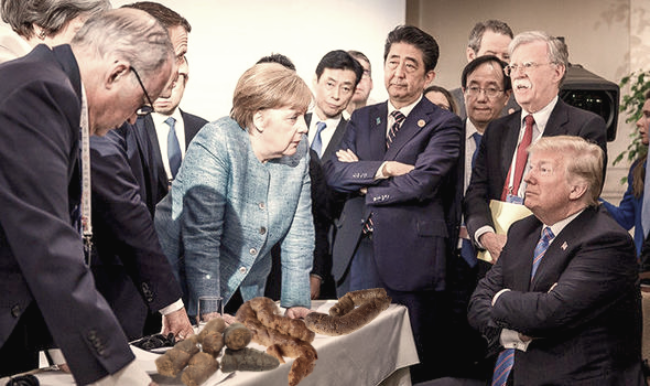Donald Trump-g7-summit-table-shit