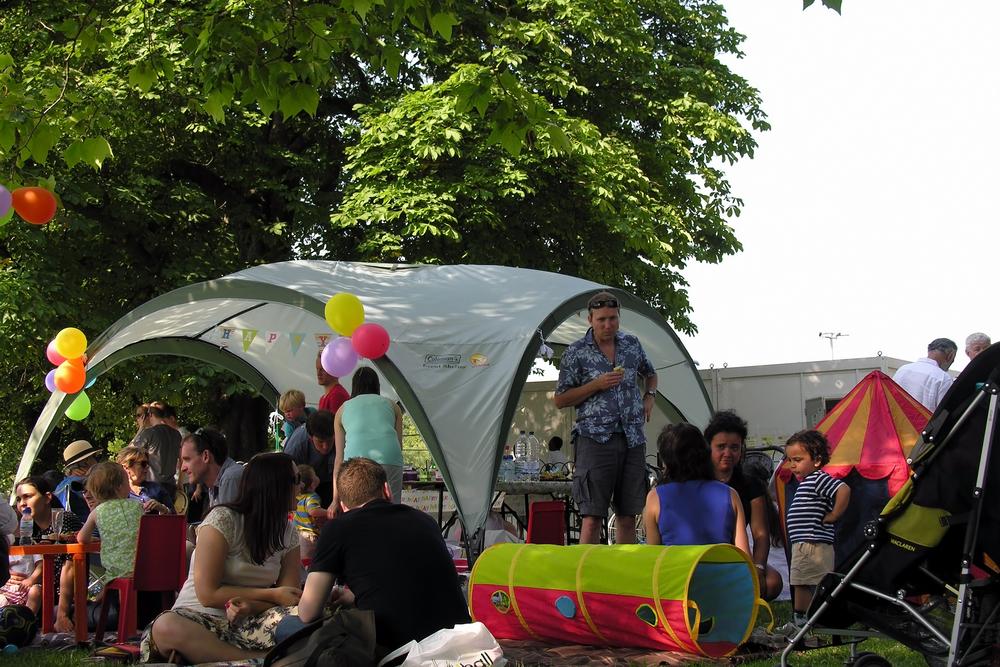 childrens coronavirus party in park