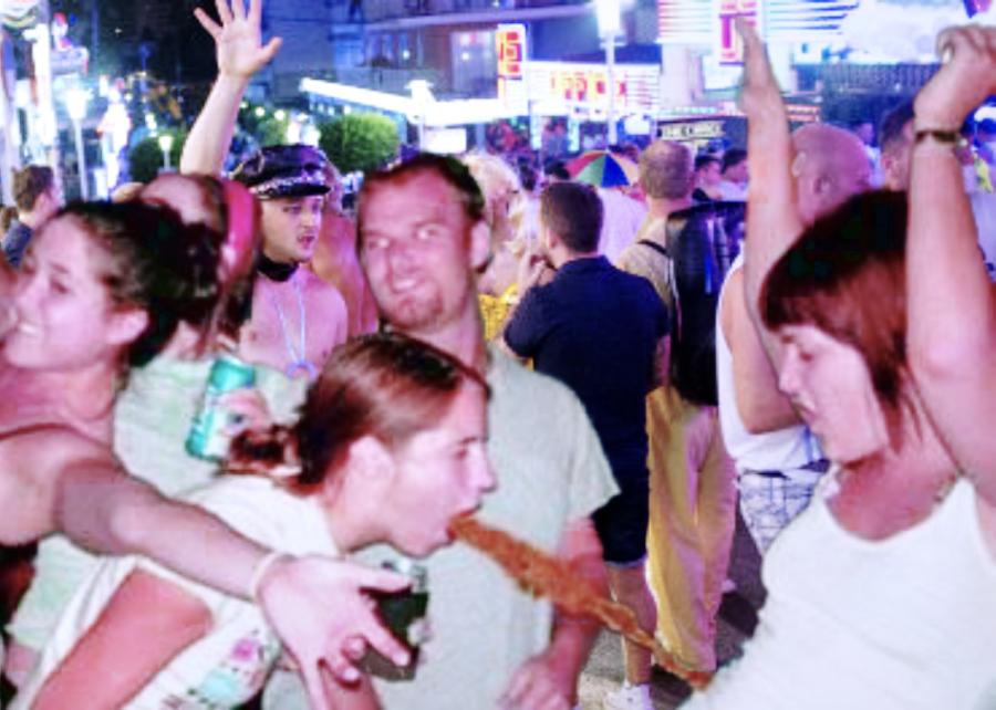drunk-brits spanish holiday