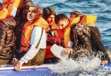 illegal immigrants rubber dinghy crossing channel