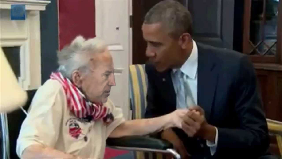 obama joe biden hand