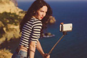 woman selfie cliff